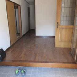 1階(玄関)